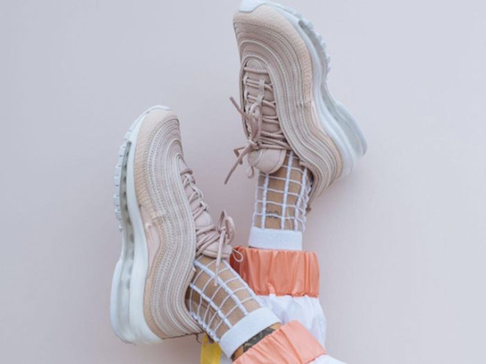 These Are the Sneakers EVERY Influencer Is Wearing Right Now
