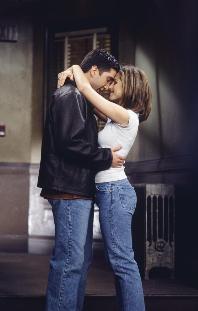 Rachel Green style: Mom jeans