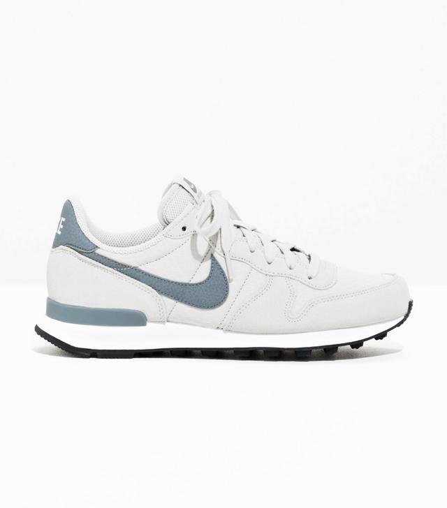 Rachel Green style: Nike Internationalist