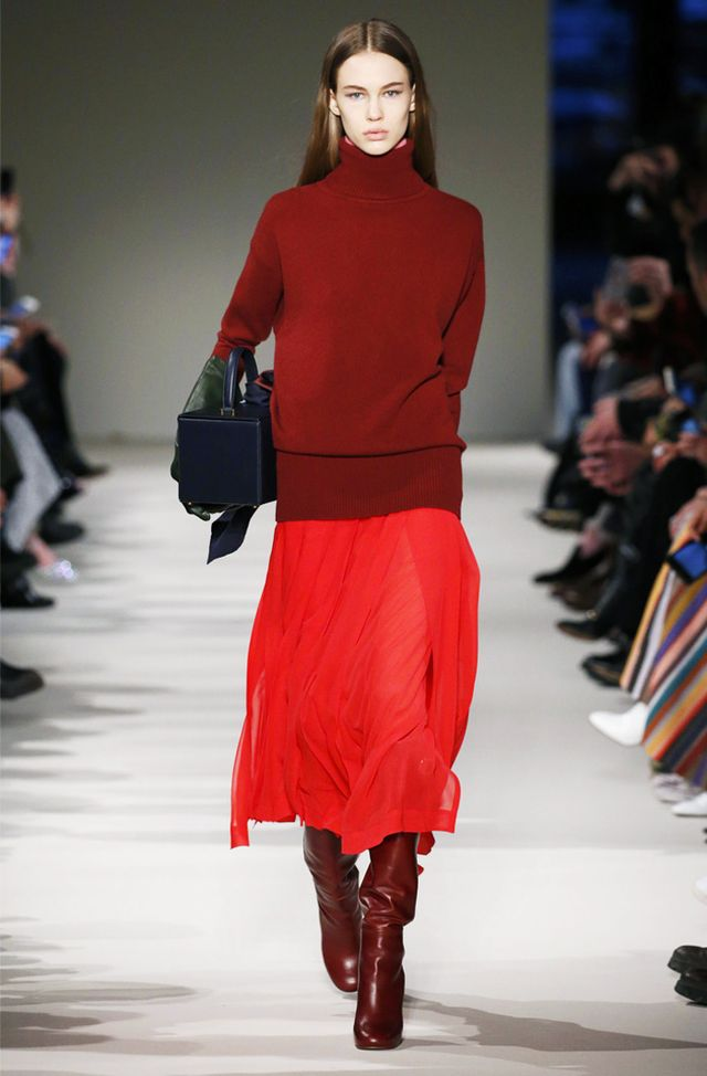 Victoria Beckham Autumn Winter 2017 style: red skirt and jumper
