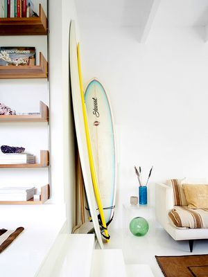 You'll Want to Steal These 6 Stylish Floating Shelf Ideas