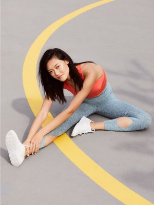 Not a Fan of Crunches? Here's a Smarter Way to Sculpt Your Core