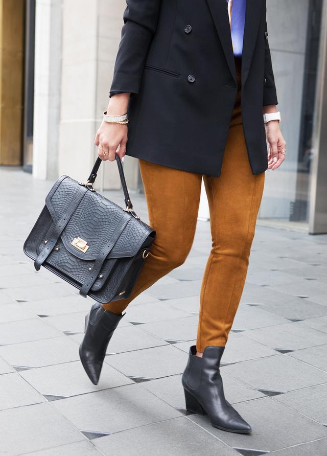 pointy toe boots black handbag