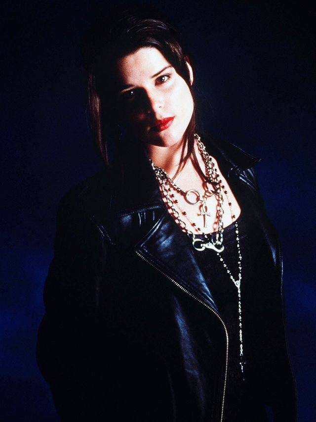 90s fashion: goth everything