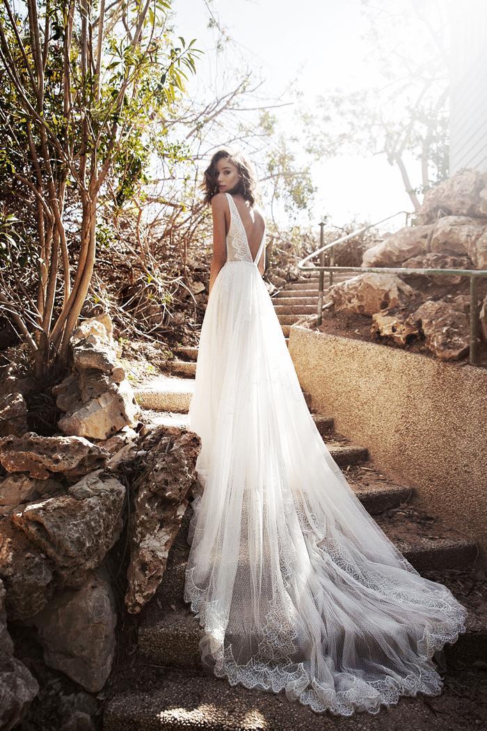 8 Breathtaking Non Veil Wedding Looks Who What Wear