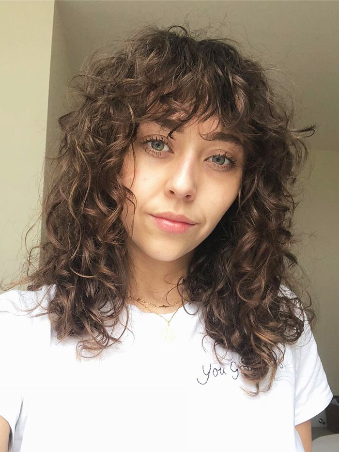 The Coolest Summer Haircuts For Curly Hair