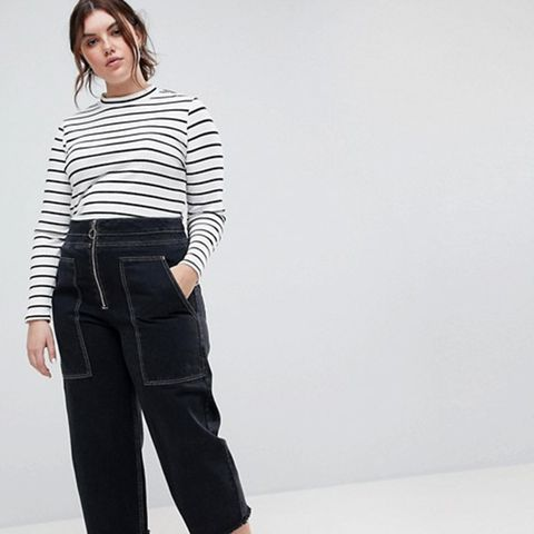 Wide Leg Utility Jeans With Big Pockets and Contract Stitch in Black