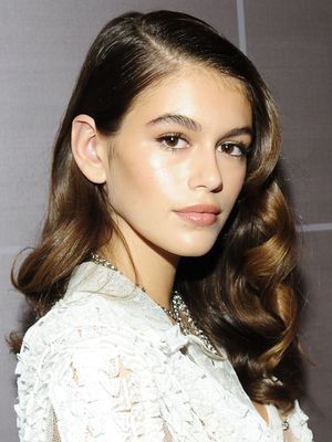 Here Is Every Single Beauty Look Kaia Gerber Wore During New York Fashion Week