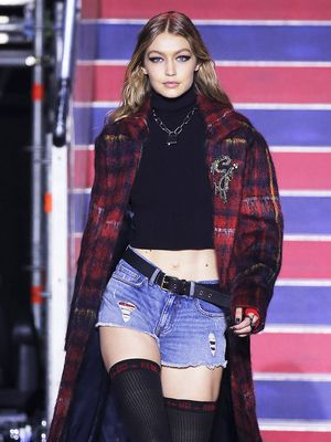 See the LFW Tommy Hilfiger Runway Looks Featuring Gigi, Bella, and Anwar