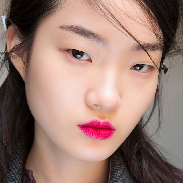 Byrdie Australia Editors Swear by These 6 Universally Flattering Pink Lipsticks