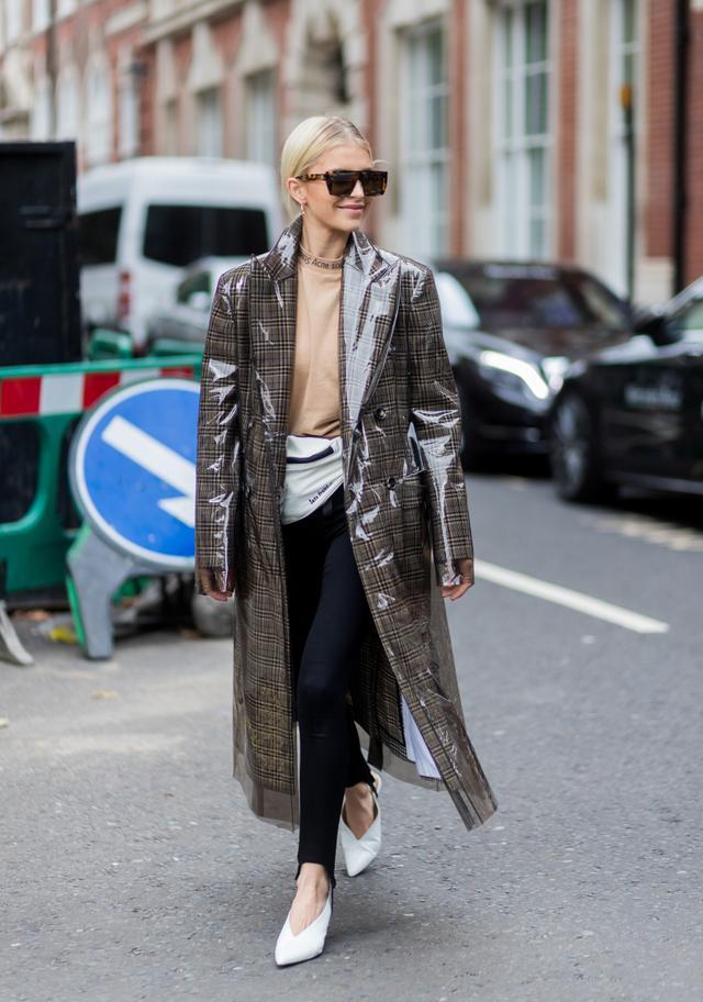 Street Style Calvin Klein checkered patent coat