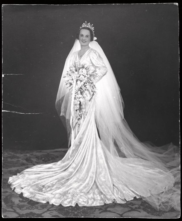 Slip Wedding Dress Trend