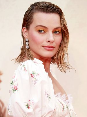 Margot Robbie Just Wore 2018's Prettiest Trend