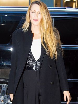 Blake Lively Wore the Perfect Skinny Jean–and-Flat Combo to the Airport