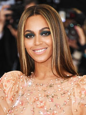 Beyoncé's Lipstick Elevates Her Last Instagram to Fine Art