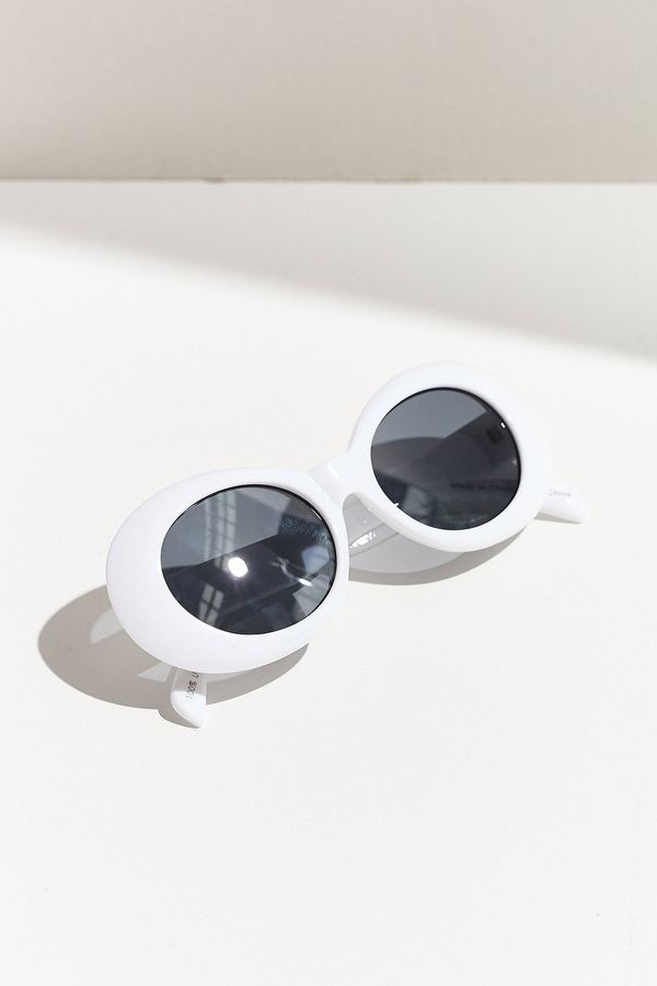 Venice Oval Sunglasses - Black One Size at Urban Outfitters