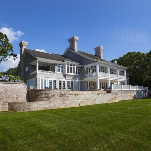 Beyoncé and Jay Z Just Dropped $32 Million on This East Hampton Mansion