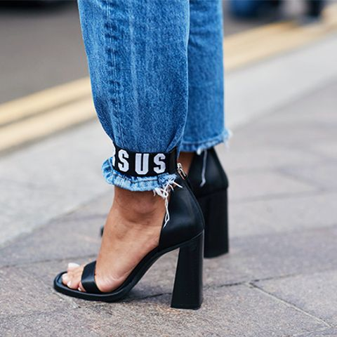 The 90s Shoe Trends We Re Trying Again Whowhatwear Uk