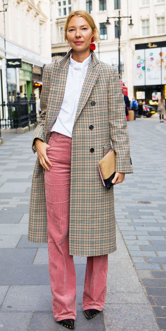 Pink corduroy trouser trend: Roberta Benteler