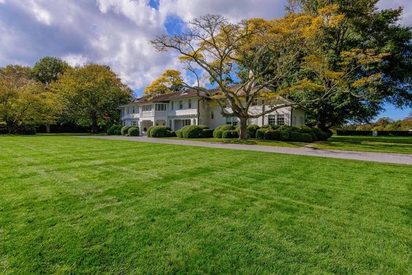 Up next: Check out the East Hampton home Beyoncé and Jay-Z just bought for $26 million.