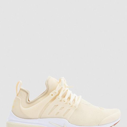 Air Presto Premium Sneakers in Muslin/Gold Star