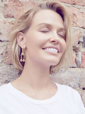 "Lara Worthington's Friend ""Makes the Best Lipsticks""—Here's Where to Shop Them"