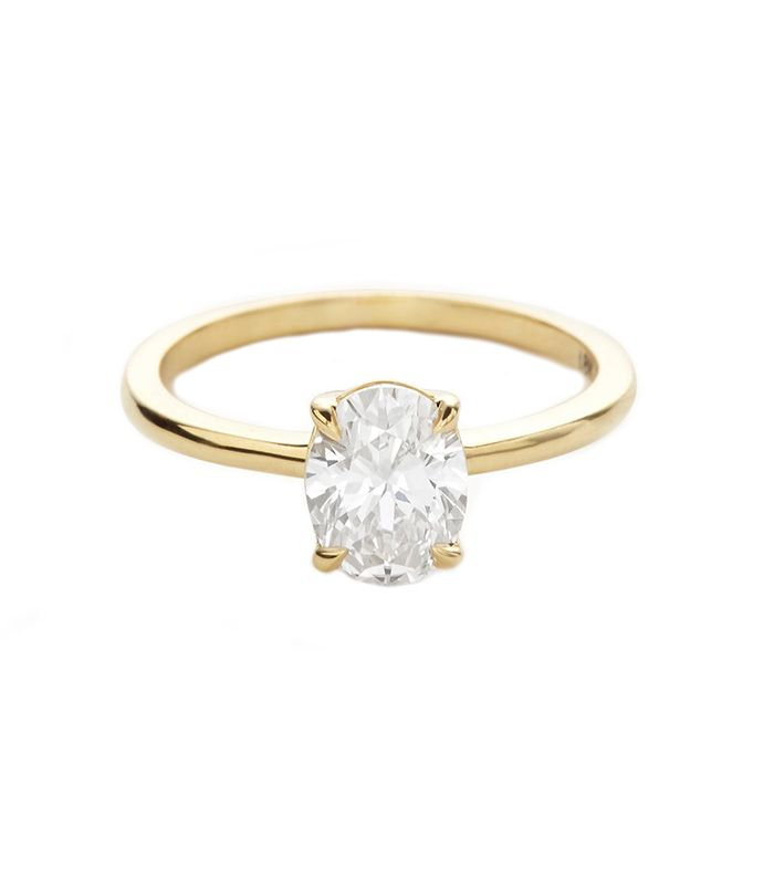 9 Simple Engagement Rings With Just the Right Amount of Sparkle ...