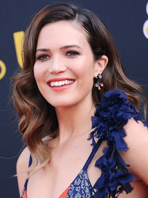 The Back of Mandy Moore's Red Carpet Dress Is So Unexpected