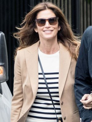 This Is the Cindy Crawford Way to Wear Skinny Jeans and Flats in Paris