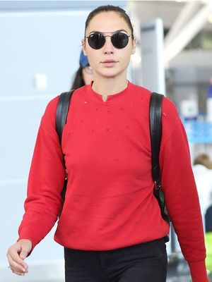Gal Gadot Wore the Perfect $68 Skinny Jeans to the Airport