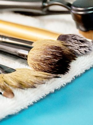How to Clean Makeup Brushes in Five Steps