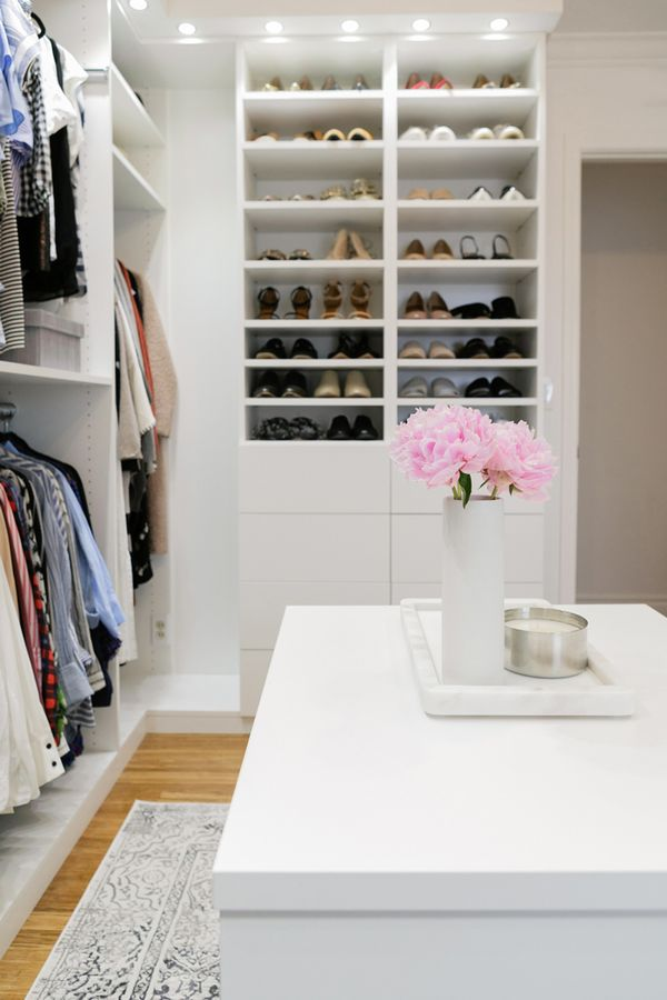 fashion bloggers closet