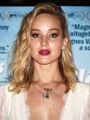 Jennifer Lawrence Wore the Most French-Girl Wedding Gown Last Night