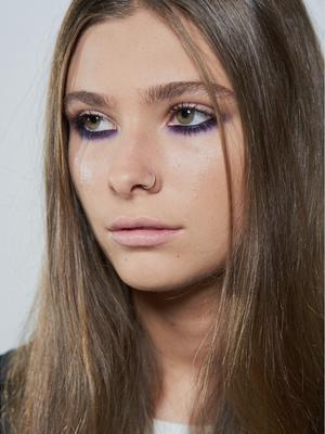 "Natalie Portman's Makeup Artist Shows Us How to Create an ""Underliner"" Eye"