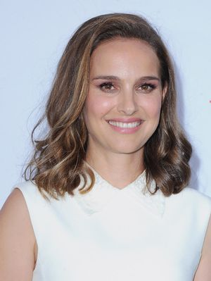 Cutting Out These 2 Foods Cleared Natalie Portman's Adult Acne