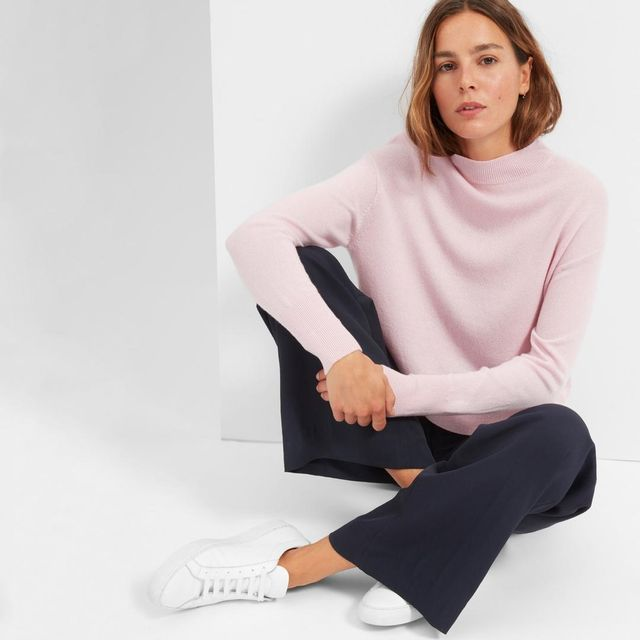 Women's Cashmere Crop Mockneck Sweater by Everlane in Soft Pink, Size L