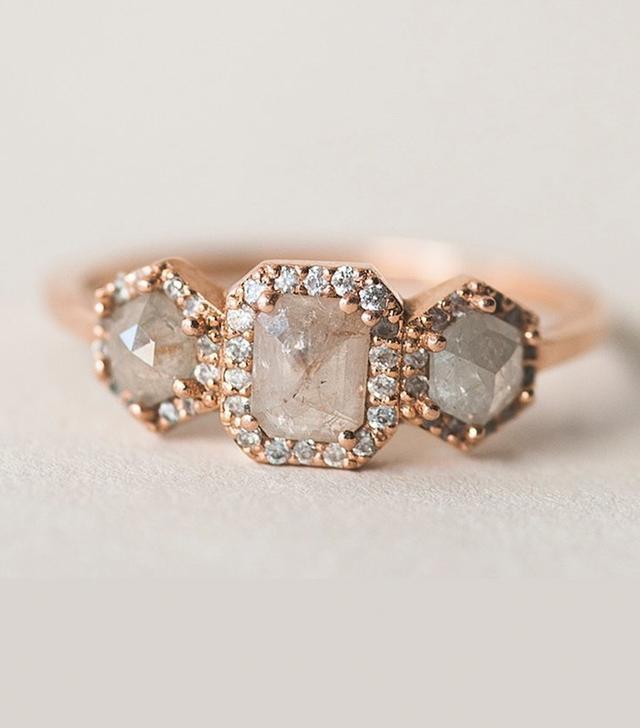 Après Jewelry The 3-Stone Diamond Slice Band