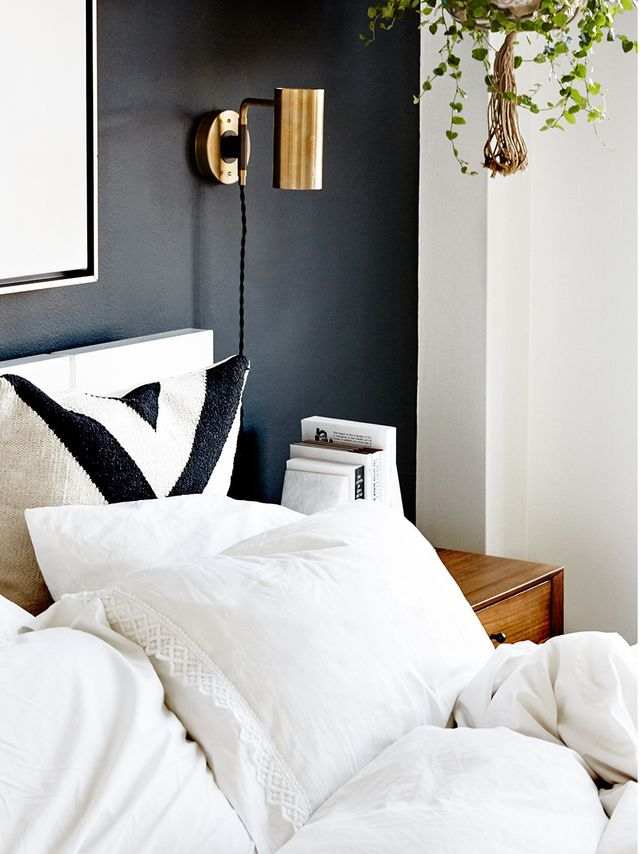 the best plants for sleep naturally purify the air mydomaine. Black Bedroom Furniture Sets. Home Design Ideas