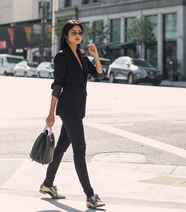 black-and-metallic-outfits