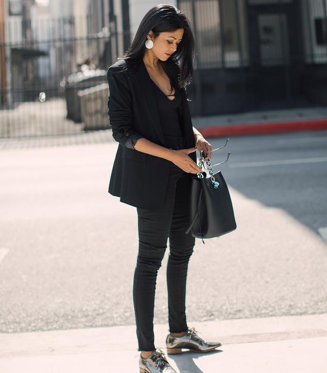 black-distressed-leggings