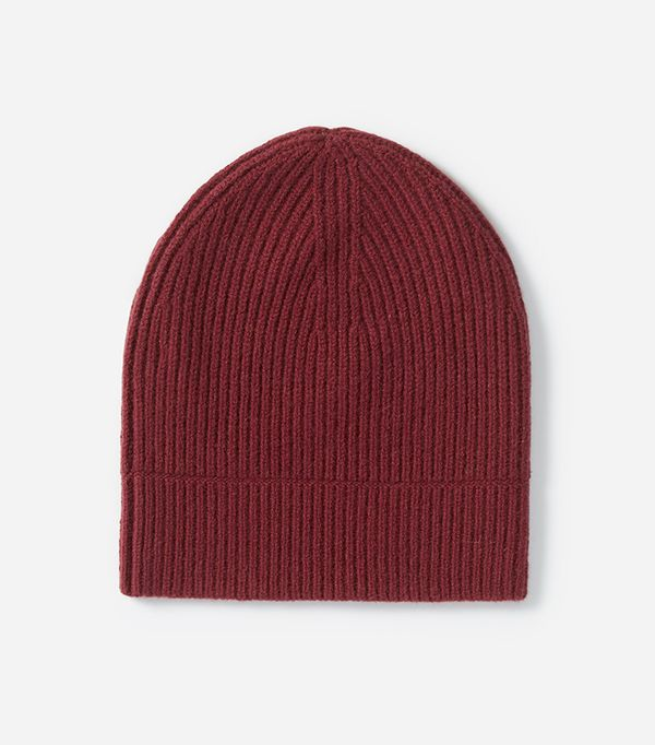 Women's Cashmere Rib Beanie by Everlane in Burgundy