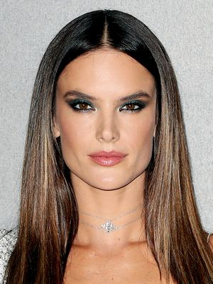 How U.S. and Brazilian Beauty Routines Differ, According to Alessandra Ambrosio