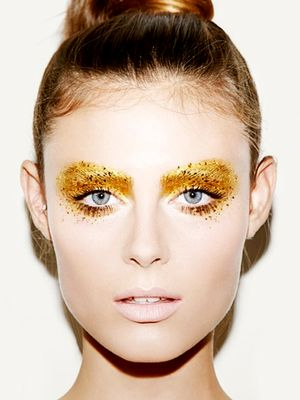 13 Last-Minute Halloween Makeup Looks That Only Require Glitter
