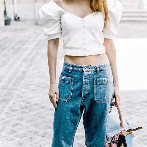 The One Shirt Style Fashion Girls Love to Wear With Jeans