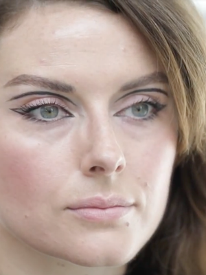 Watch: A Twiggy-Inspired Makeup Tutorial for Halloween (and Beyond)
