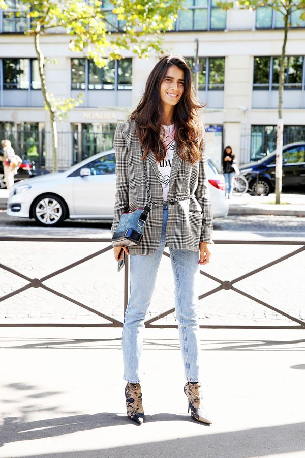Cinch your boxy blazer with an of-the-moment belt bag. Or just wear your crossbody bag like this.
