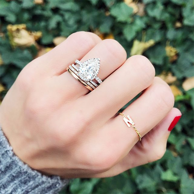 pears are making a major comeback and are perfect for the girl who loves oval - Popular Wedding Rings