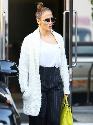 Celebs All Wear These 7 Chic Sunglass Brand