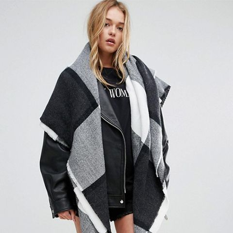 Oversized Square Scarf in Blown-Up Check