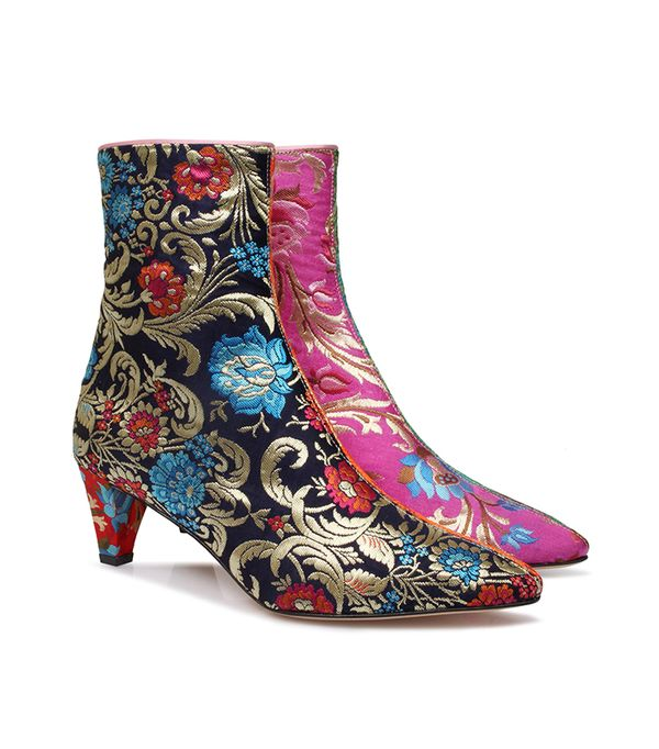 how to wear brocade boots
